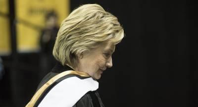 Бизнесмен собрал деньги для выкупа переписки Клинтон и умер