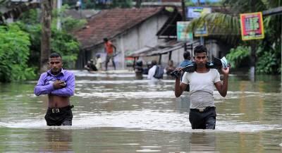 Люди погибли при ливнях на Шри-Ланке