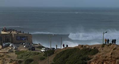 Шторм в Португалии: есть пострадавшие