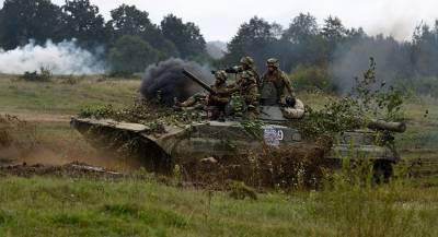 Киев подводит военную технику к линии соприкосновения с ЛНР