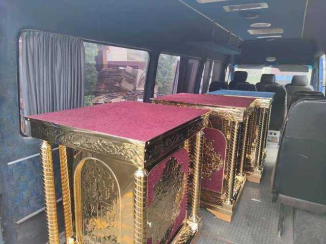 Ігор Молоток передав церковне приладдя у храми Середино-Будщини 3