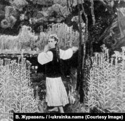В. Журавель. Леся. Темпера. 1971 р.