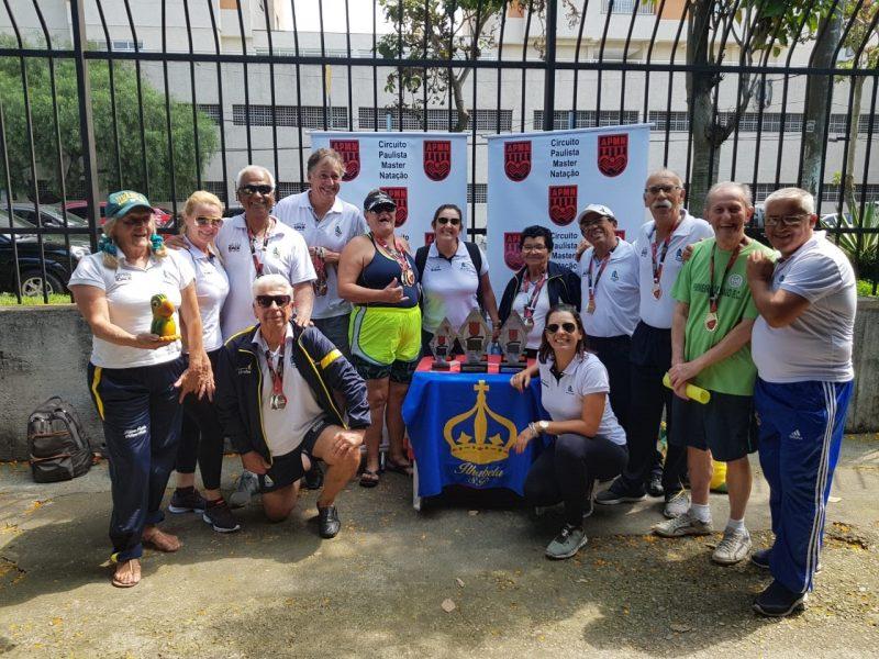 Equipe Melhor Idade em Ação de Ilhabela conquista 16 medalhas na 5ª Etapa do Campeonato Paulista de Natação