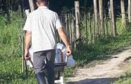 Fundo Social de Caraguatatuba leva água potável às famílias da zona rural do município