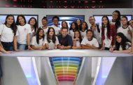 Nos bastidores: alunos de Caraguatatuba visitam instalações da TV Vanguarda