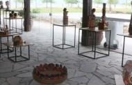 Secretaria de Turismo de Caraguatatuba recebe exposição 'Heranças' do Grupo Ubuntu