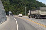 DER proíbe tráfego de caminhões de cargas na Tamoios na Operação Verão e feriados prolongados