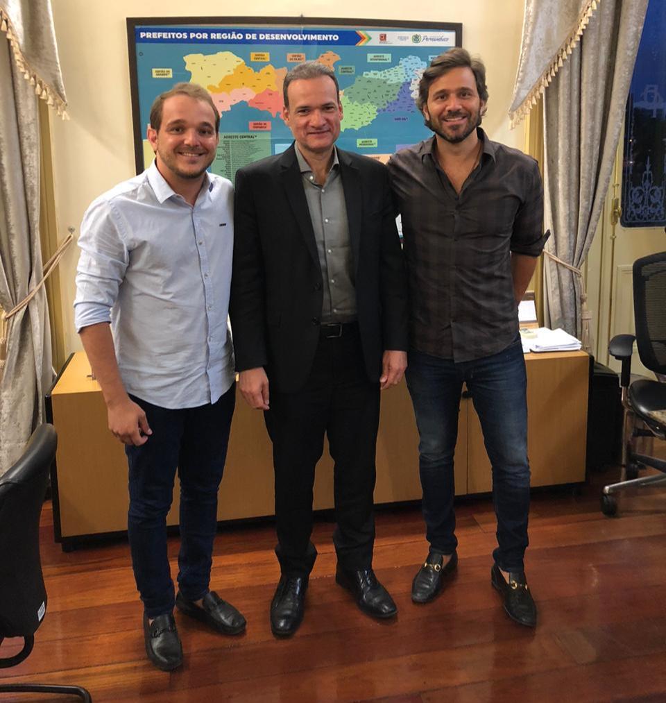 Cabrobó - João Pedro Noaves, Rodrigo Novaes e Ze Neto editada