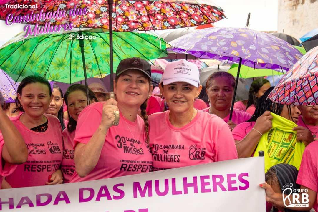 Cedro - Riva Bezerra e Roberta Arraes