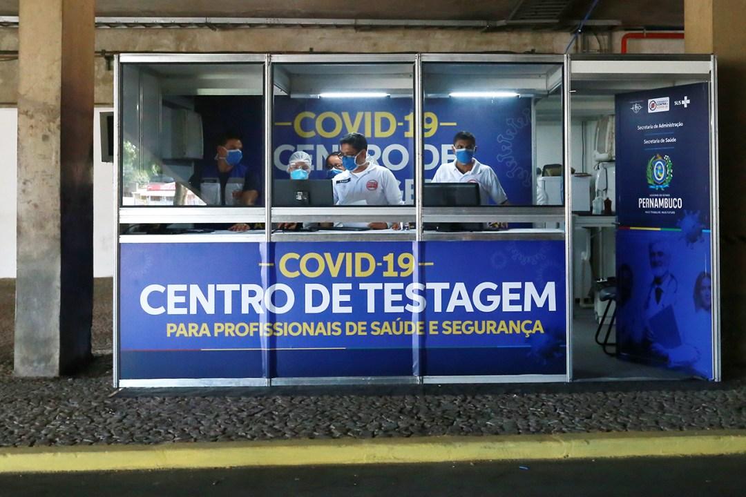 Centro de testagem do Covid-19 para profissionais da Saúde e Segurança16