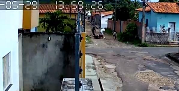 Vídeo: menina utiliza movimentos de capoeira para se livrar de assalto no PI