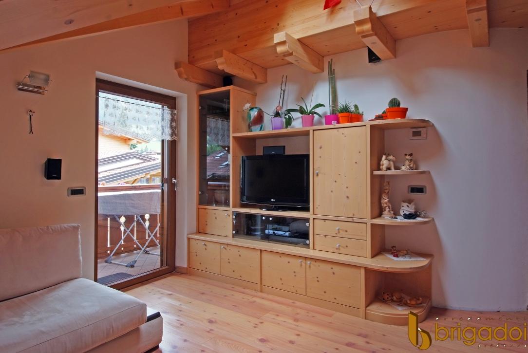 soggiorno legno arredamenti brigadoi falegnameria val di fiemme
