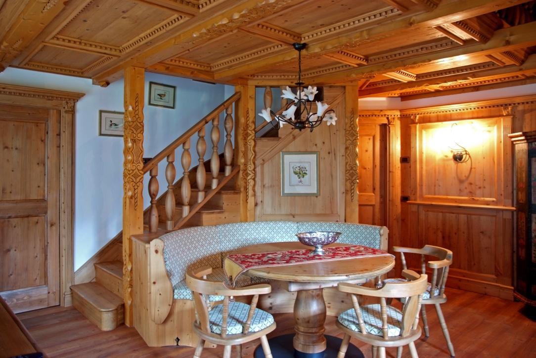 Casa montagna dolomiti arredamenti brigadoi falegnameria val di fiemme legno trentino