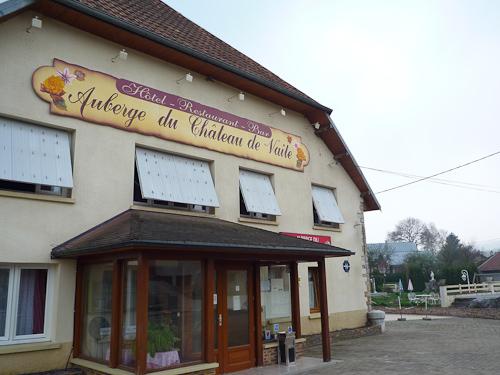 Lantlig övernattning i Champlive, nära den tyska gränsen