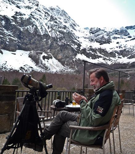 Bengt skickar triumf SMS till vänner som också är fågelskådare