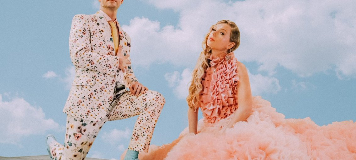 Taylor Swift and Brendon Urie in the ME! Music Video