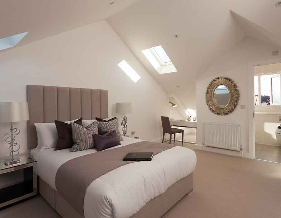Contemporary-bedroom-joinery