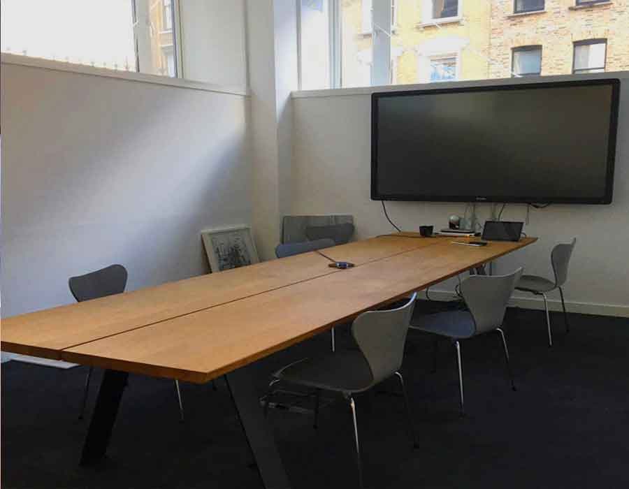 Telephone-House-meeting-room-tables-and-chairs
