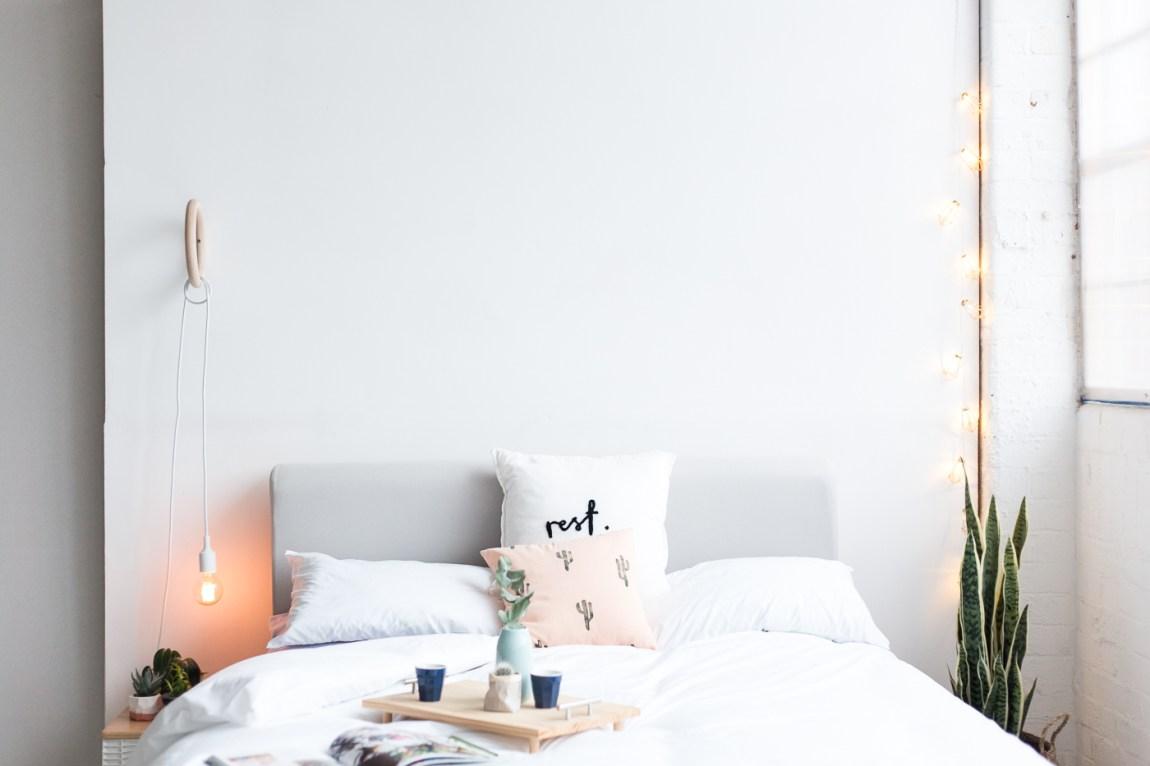 DIY | Haz tu propia lámpara de pared con un aro de madera