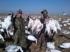 Guided Snow Goose Hunts - Mound City, Missouri - 855-473-2875