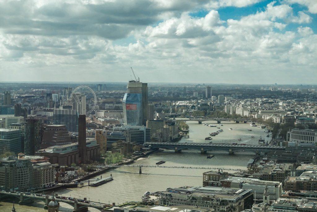 wie-du-die-schönste-aussicht-londons-kostenlos-bekommst-ausblick-sky-garden-themse (1 von 1)