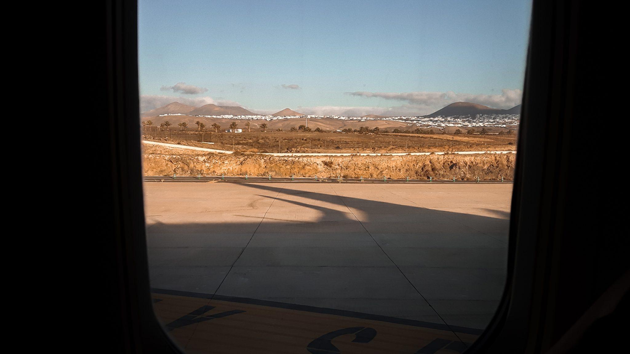 entspannt-fliegen-7-tipps-für-deinen-nächsten-flug-landebahn