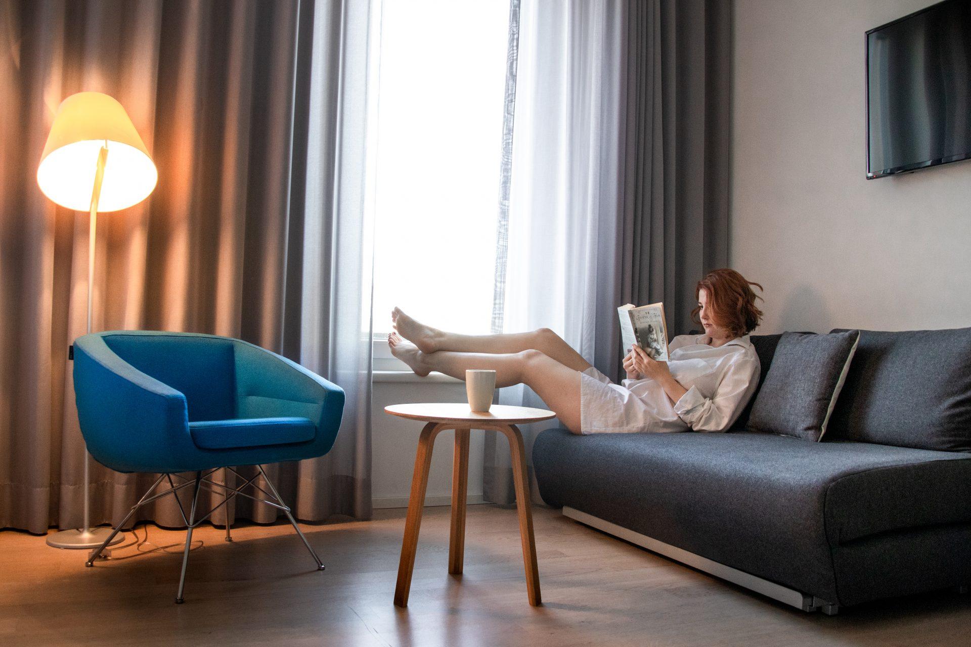 Maximilians-Boutique-Hotel-Zimmer-lesen