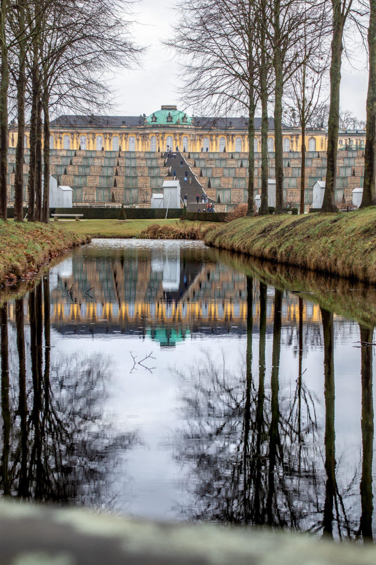 potsdam-sanssouci-regen-winter-park-schloss-teich