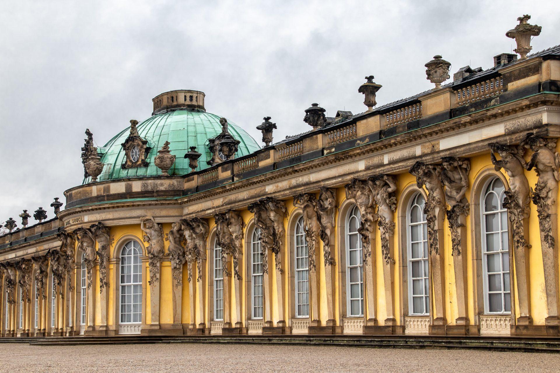 Potsdam-bei-Regen-Schloss-Sanssouci