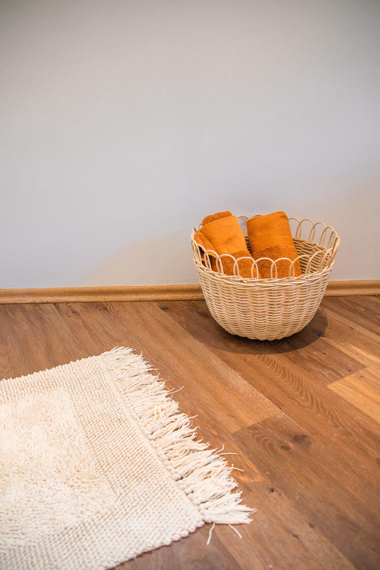 Haus-am-see-badezimmer-handtücher