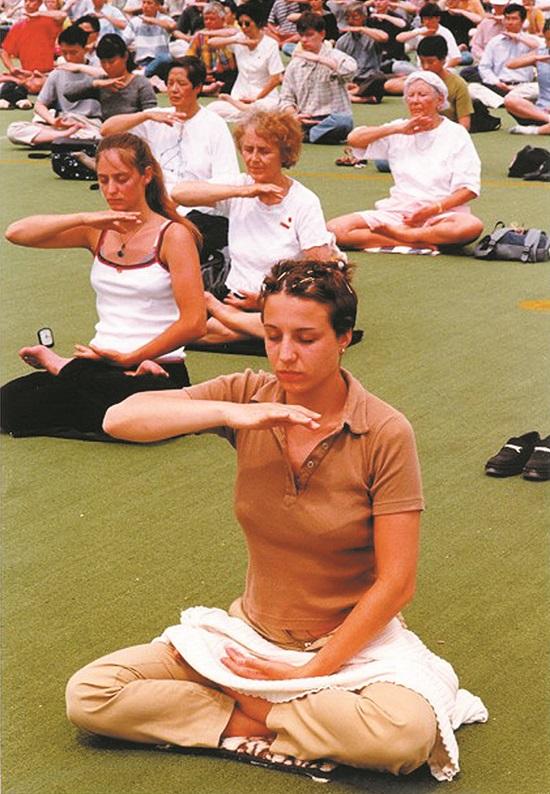 Falun Gong Paris France