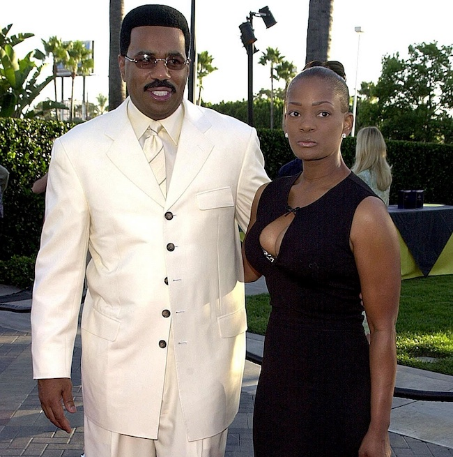 Mary Lee Harvey and Steve Harvey in 2000