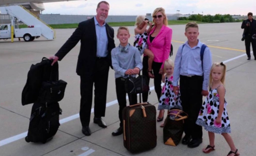 Stephanie Slemer, husband Mark McGwire and their five children