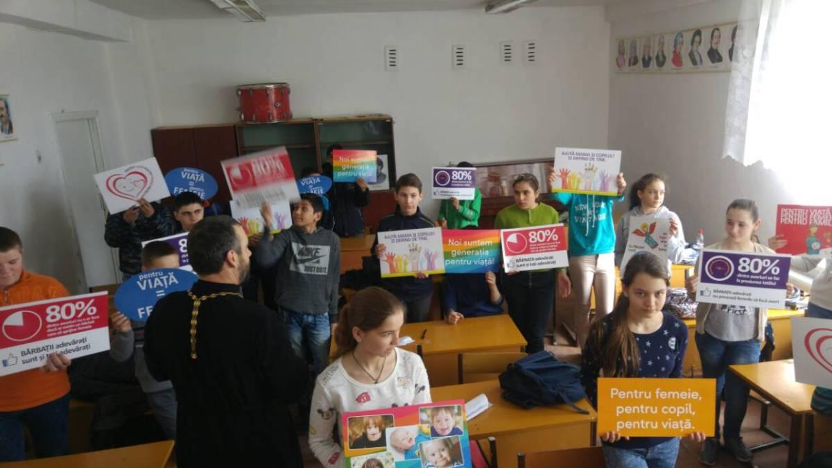"""Lecție cu tema ,,Prețuiește Familia, prețuiește Viața"""" în s. Țibirica, r. Călărași"""