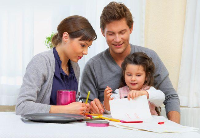 În apărarea familiei creştine Să spunem DA familiei binecuvântate de Dumnezeu!