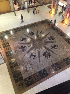 Mosaico no térreo do Paço Alfândega