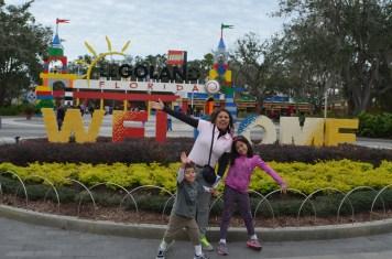 Família que viaja Junto na Legoland