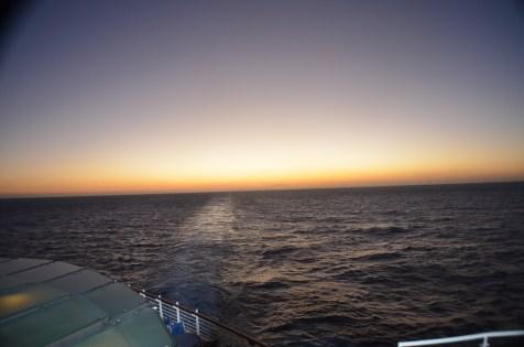 Raiar do dia a bordo do Wonder