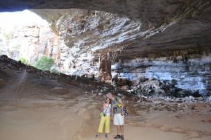 Início da trilha dentro da gruta