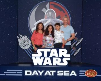 Primeiras fotos no cenário Star Wars