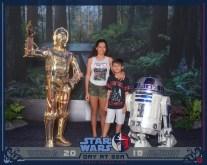 Com C-3POe R2-D2