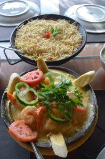 Moqueca e camarão chiclete do Karrancas