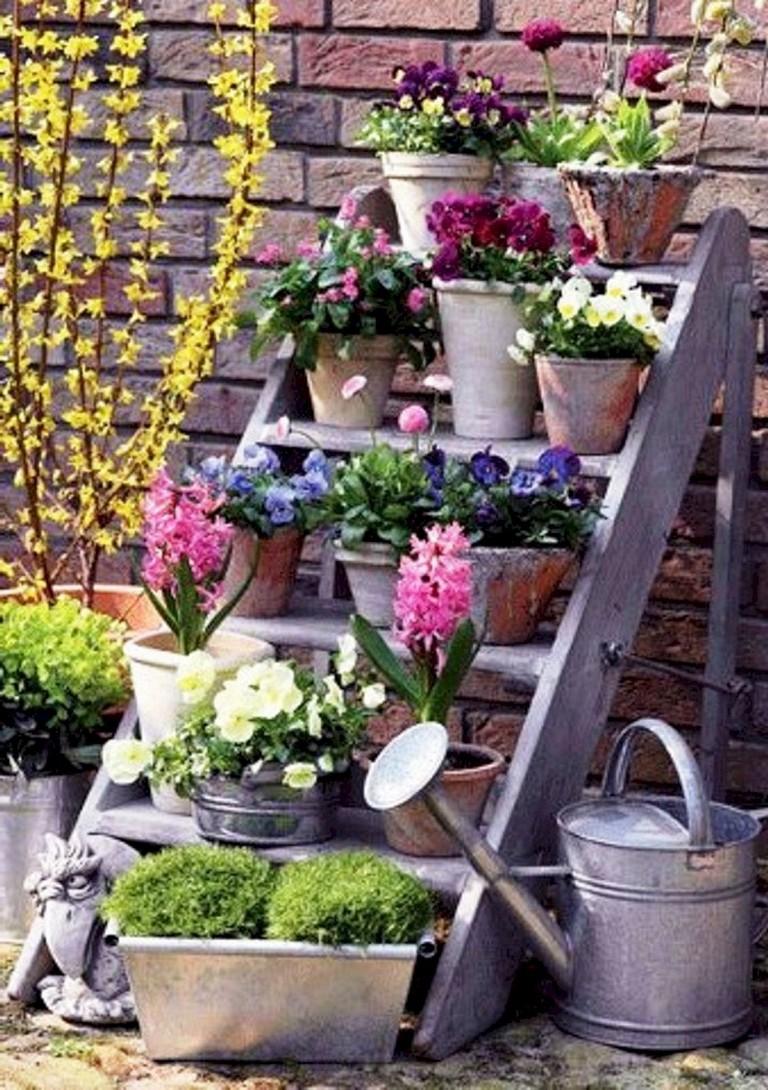 10 Simple DIY Vintage and Rustic Garden Decor Ideas on A ... on Rustic Backyard Ideas id=36412
