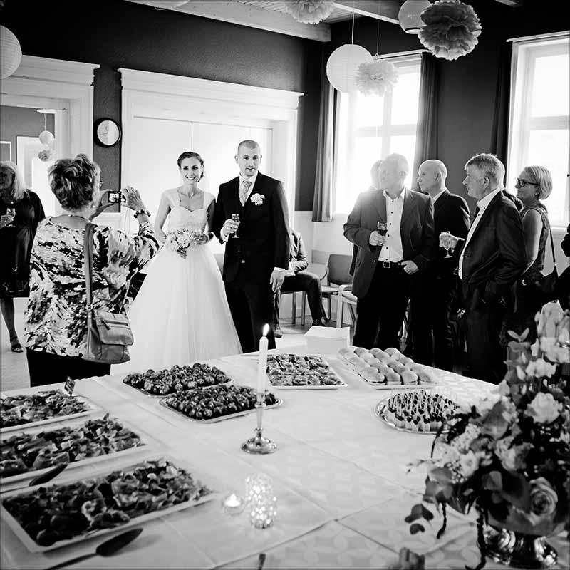 Bryllupsfotograf – fra kirken til kaffen – kreative bryllupsbilleder