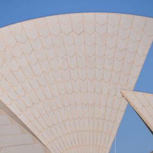 (C) Jule Reiselust: Das Dach der Oper ist mit mehr als 1 Mio. Keramikfliesen aus Schweden belegt.