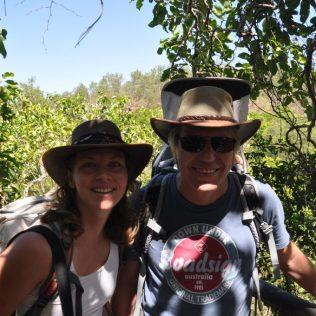(C) Juke Reiselust: Familie mit Teiselust an den Florence Falls - noch 140 Stufen und wir sind unten am Pool.