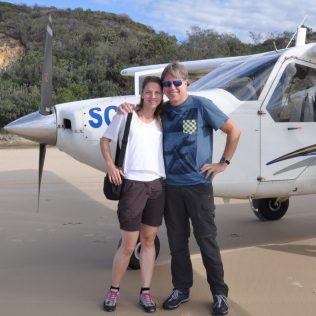 (C) Jule Reiselust: Flug über 90 km Sandstrand auf Fraser Island