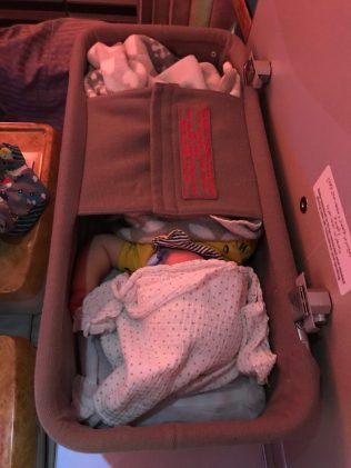 (C) Noah im Babybassinet