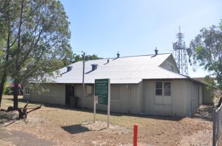 (C) Jule Reiselust: Ältestes Wellblechhaus in Pine Creek, importiert aus GB.