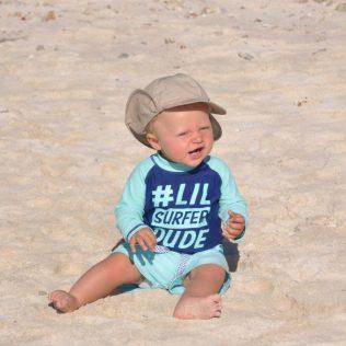 (C) Jule Reiselust: Noah am Strand von Turquoise Bay.